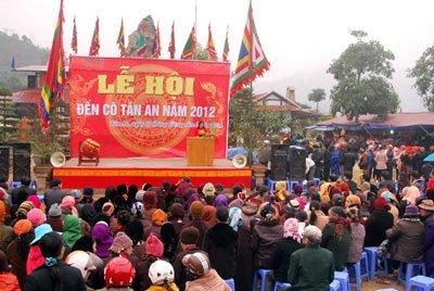 Những lễ hội cổ truyền tiêu biểu ở các miền Việt Nam