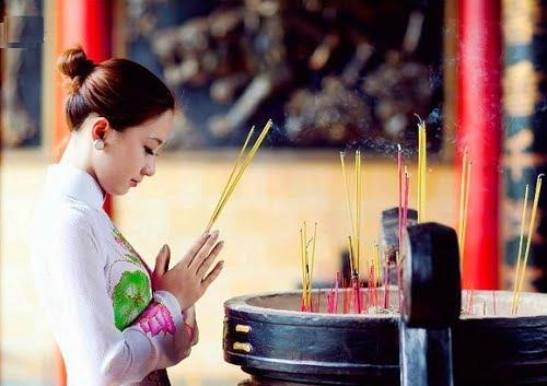 Cách ăn mặc đi lễ chùa